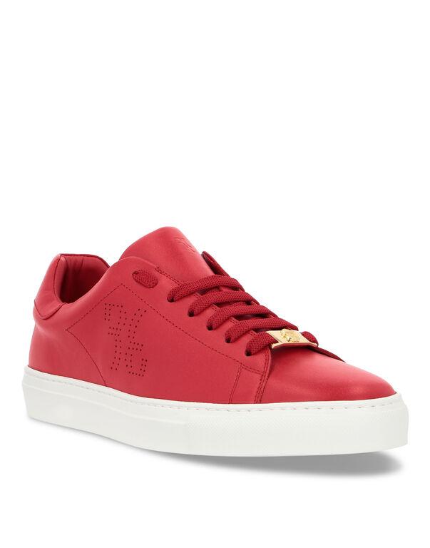 Lo-Top Sneakers Double B