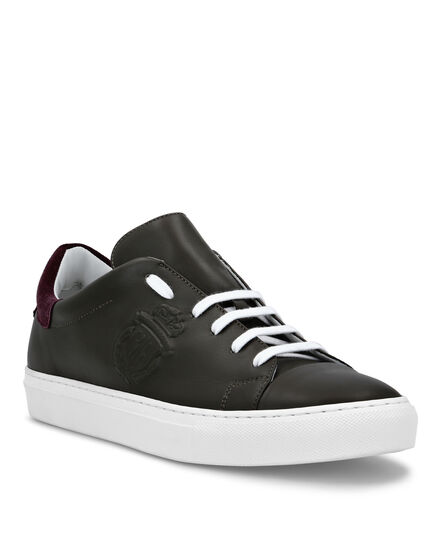 Leather Lo-Top Sneakers Crest