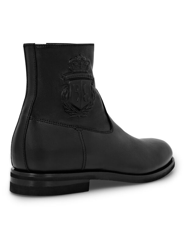 Boots Low Flat Crest