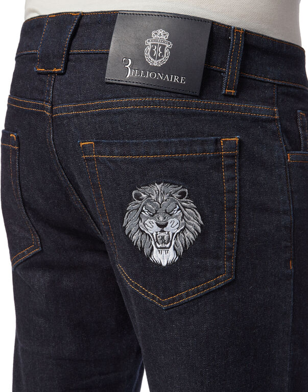 Super Straight Cut Lion