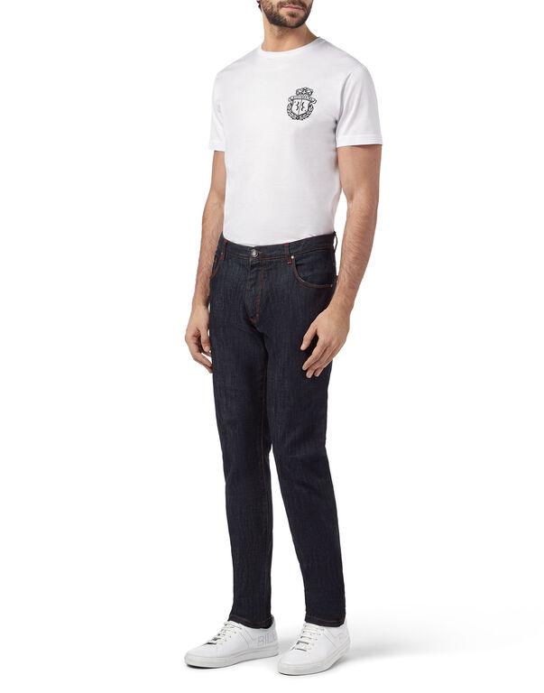 Slim Fit Crest