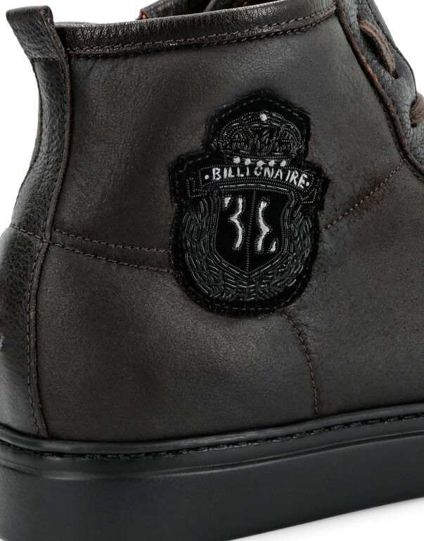 Hi-Top Sneakers Crest