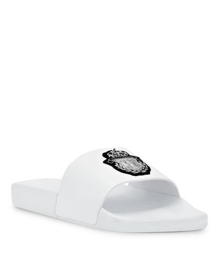 Flat gummy sandals Crest