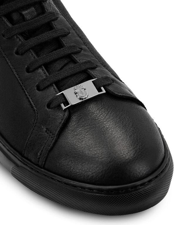 Hi-Top Sneakers Crest
